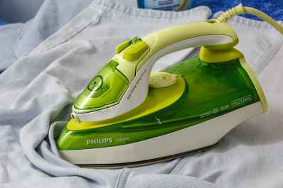 ironing-iron-press-clothing-53422.jpeg